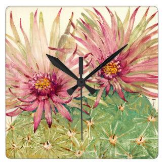 Fleurs roses de cactus horloge carrée