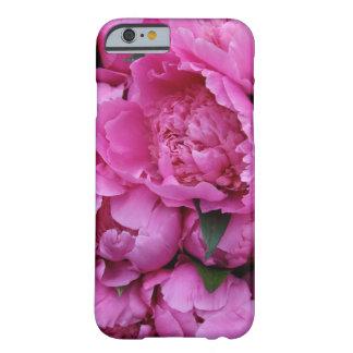 Fleurs roses luxuriantes de pivoine coque barely there iPhone 6