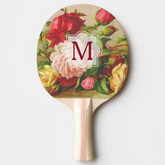 Fleurs victoriennes vintages de bouquet de roses raquette tennis de table