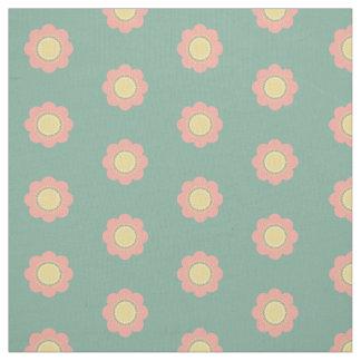 Fleurs vintages de roses pâles et de jaune sur le tissu
