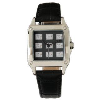 Fleurs vintages noires de montre