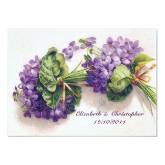 Fleurs violettes vintages douces épousant des carton d'invitation  11,43 cm x 15,87 cm