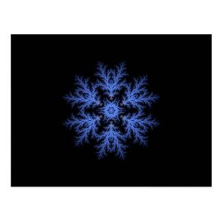 Flocon de neige assez bleu d'hiver carte postale