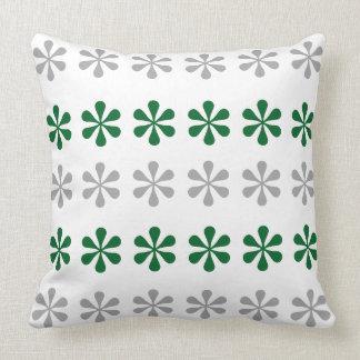 Flocons de neige argentés et verts oreillers