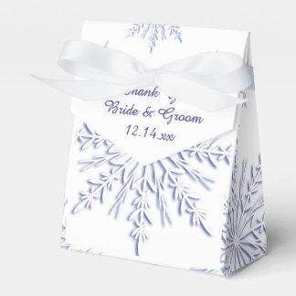 Flocons de neige bleus sur le mariage blanc ballotins