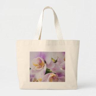 Floraison douce blanche d'orchidées grand sac