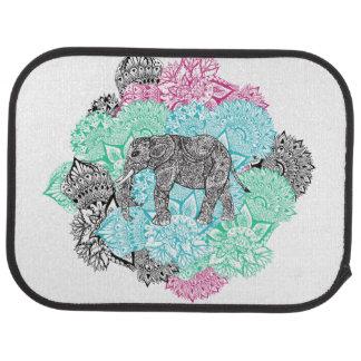 Floral en pastel tiré par la main d'éléphant de tapis de voiture