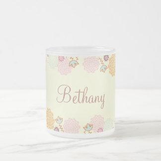 Floral moderne de fantaisie féminin personnalisé mug en verre givré