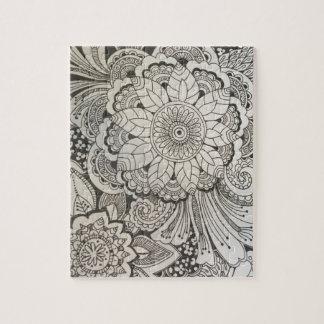 Floral tiré par la main noir et blanc puzzle