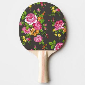 Floral vintage avec les roses roses raquette de ping pong