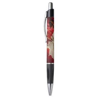 Flottement coloré de feuille d'érable d'automne stylo