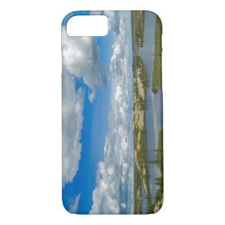 Flotteur de cumulus au-dessus des lacs, du coque iPhone 7