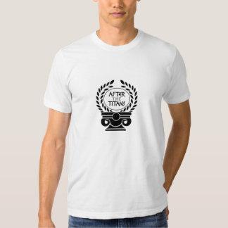 Fonctionnaire après le T-shirt de titans