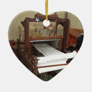 Fonctionnement vintage antique de machine de ornement cœur en céramique