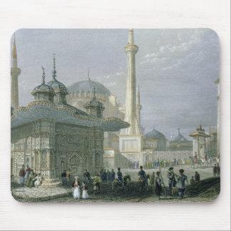 Fontaine et carré de St Sophia, Istanbul, engra Tapis De Souris