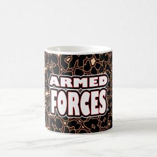 Forces armées ; Tasses blanches audacieuses de