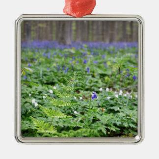 Forêt bleue de cloche ornement carré argenté