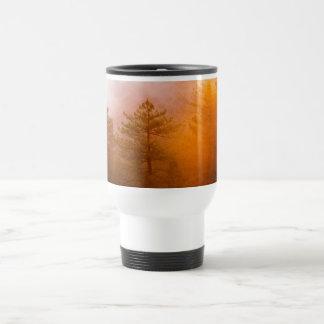 Forêt d'or de gloire de matin mug de voyage