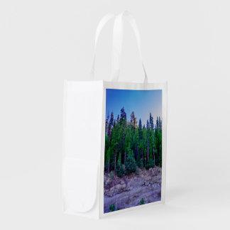 Forêt et ciel de vallée de Yosemite Sac D'épicerie