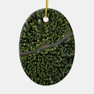 Forêt nordique : édition verte ornement ovale en céramique