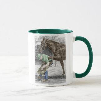 Forgeron de maréchal-ferrant chaussant le cheval mug