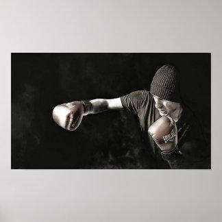 Formation de boxeur dans les ombres posters