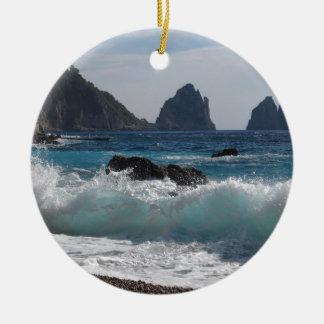 Formation de roche de Faraglioni sur l'île Capri Ornement Rond En Céramique