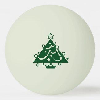Forme verte d'arbre de Noël sur Balle Tennis De Table