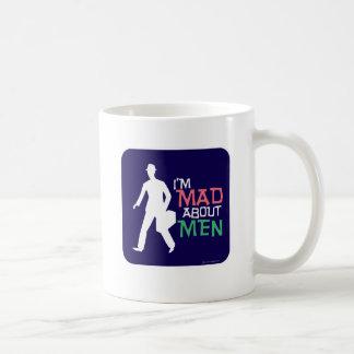 Fou au sujet des hommes mug blanc