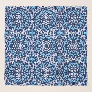 Foulard Batik de mandala de Sun, bleu marine et blanc du