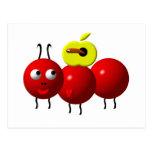 Fourmi mignonne avec la pomme carte postale