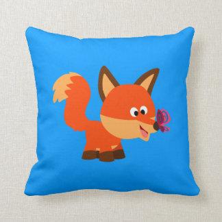 Fox mignon de bande dessinée et coussin de papillo