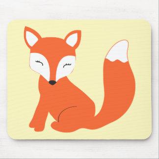 Fox mignon de bébé de région boisée tapis de souris