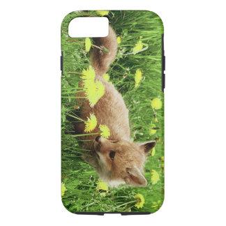 Fox rouge de bébé dans le domaine vert avec les coque iPhone 7