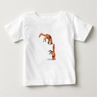 Fox rouge sautant t-shirt pour bébé