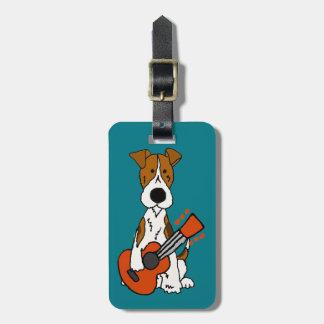 Fox Terrier mignon étendant l'art de guitare Étiquette À Bagage
