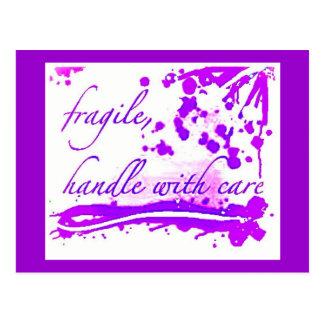 fragile manipulez avec la carte postale de soin