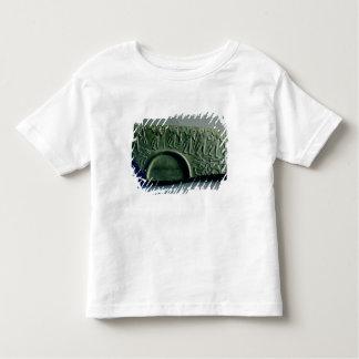 Fragment d'une palette avec une scène de chasse, t-shirts