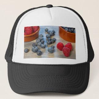 Framboises et myrtilles casquette