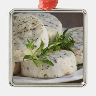 Fromage de chèvre français - chevre - avec des ornement carré argenté