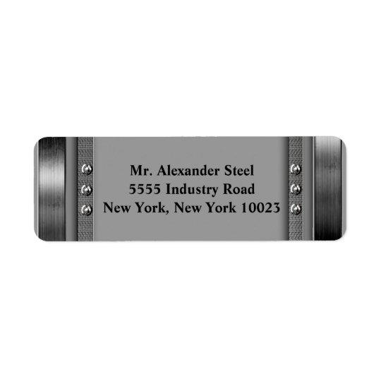 Frontière en métal avec des étiquettes de boulons
