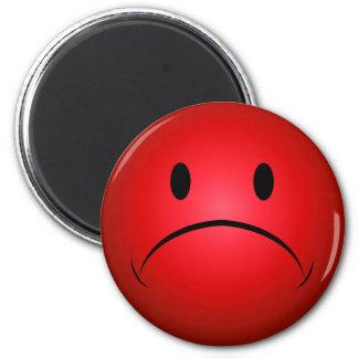 Frownie rouge font face à l'aimant magnet rond 8 cm