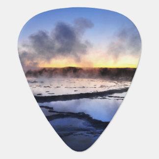 Fumée de geyser au coucher du soleil médiators