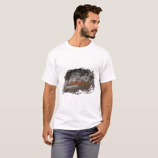 Fumée sur le T-shirt de base de briques