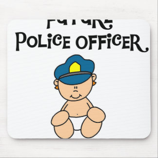 Futur policier de bébé tapis de souris