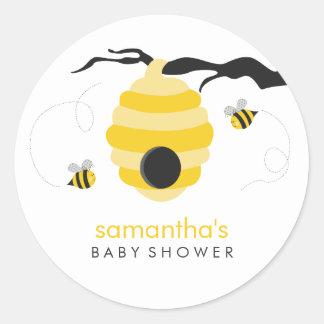 Gaffez le baby shower d'abeilles autocollant rond