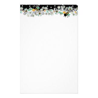 Gaffez les marguerites blanches d'abeilles et le motifs pour papier à lettre