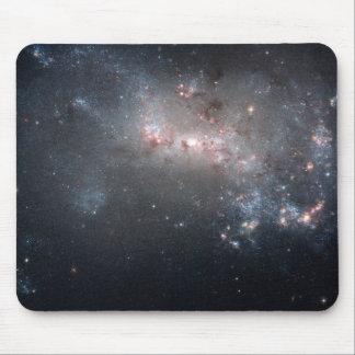 Galaxie irrégulière naine NGC 4449 de Magellanic Tapis De Souris