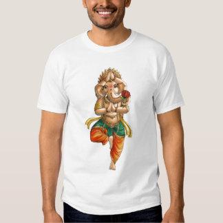Ganesha dans une pose de yoga de Vrksasana (arbre) T-shirts