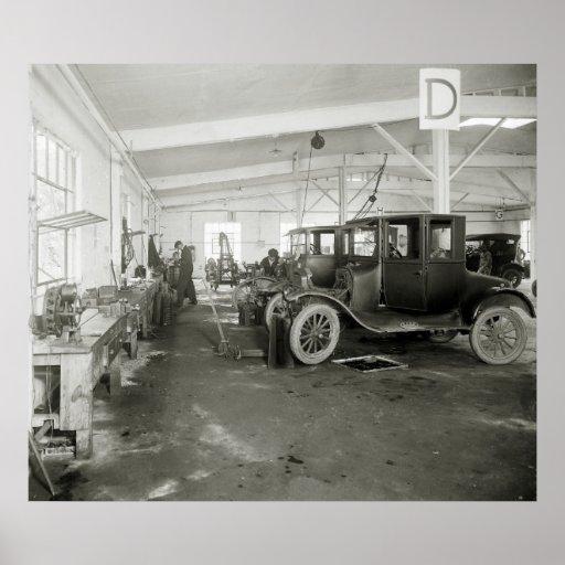 Garage de r paration de voiture les ann es 1900 t posters for Garantie garage reparation